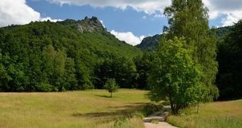 Výlet na Polední kameny a Ořešník kolem Černého potoka a Štolpichu